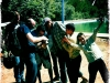 Motorradbegeisterte Kinder in Marokko