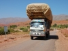 Typisch marokkanische LKW Beladung